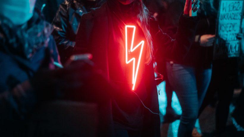 Lightning Bolt. © Zuza Gałczyńska on Unsplash