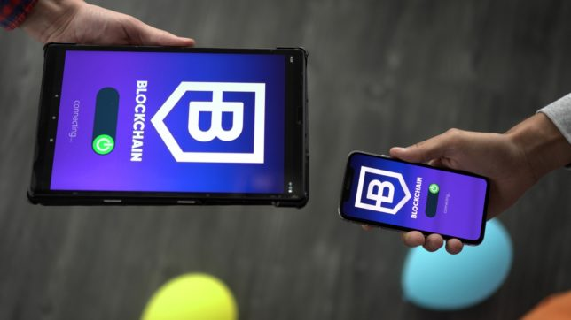 Blockchain-Apps. © Morthy Jameson on Unsplash