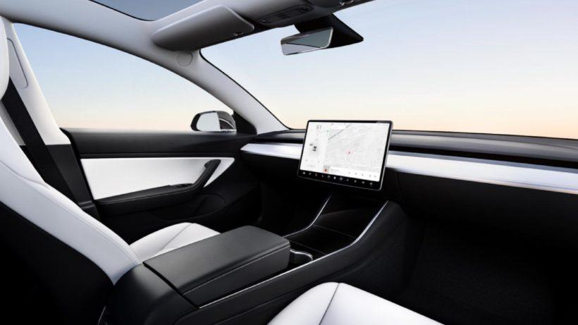 Ein Model 3 ohne Lenkrad. © Tesla