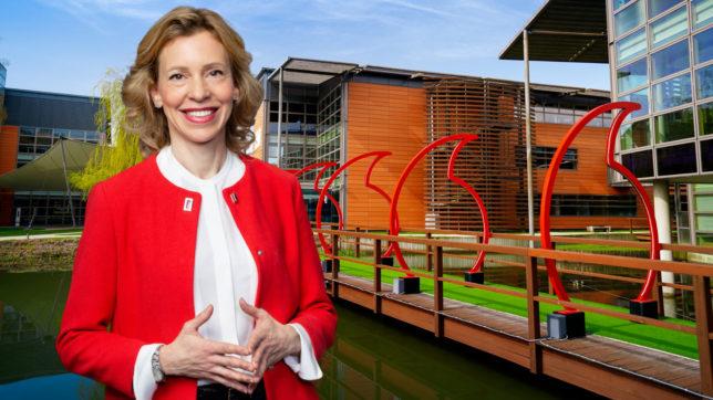 Cornelia Schaurecker ist Global Group Director for Big Data and AI bei Vodafone. © Vodafone / Montage Trending Topics