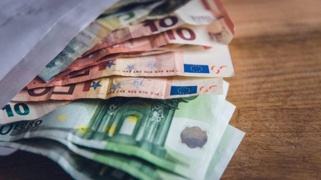 Euros. © Markus Spiske on Unsplash